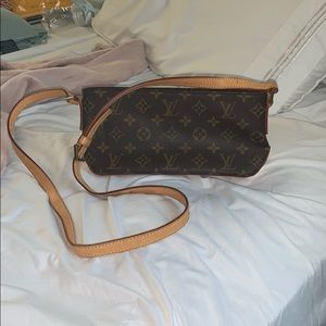 Authentic Louis Vuitton crossbody handbag